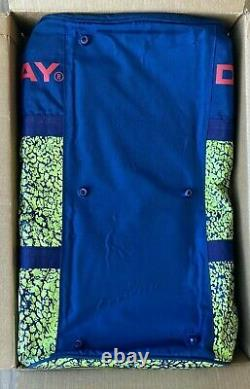 Donnay Andre Agassi Pro One OS Challenge Court Tennis Duffel Racquet Bag Vintage